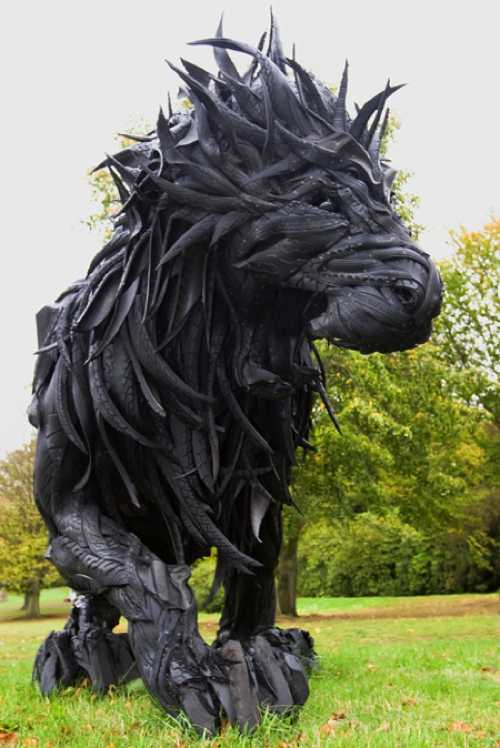 Great-Idea-Lion-Made-From-Tires