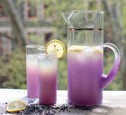 How-To-Make-Lavender-Lemonade