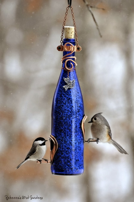 How-To-Make-A-Wine-Bottle-Bird-Feeder
