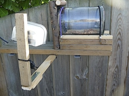 10_best_diy_squirrel_feeders_05
