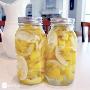 Make Your Own Lemon Vinegar + 25 Other Uses For Lemon Peels