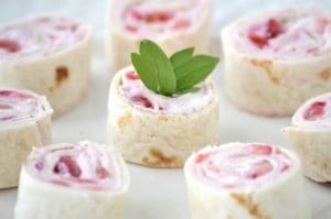 Strawberries And Cream Cheese Wraps Recipe