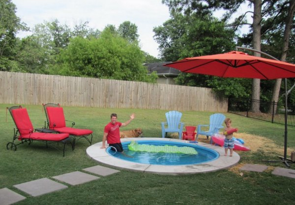 22 genius ways to use stock tanks galvanized tubs for Koi pond kiddie pool