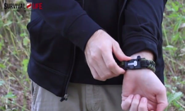 firekable-paracord-survival-bracelet