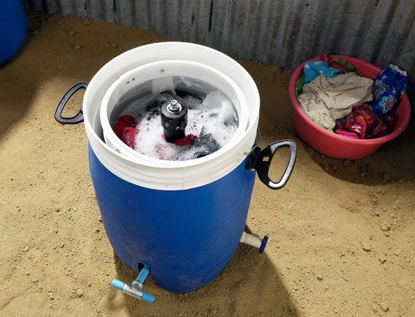 Giradora Pedal Powered Washer Needs No Electricity And