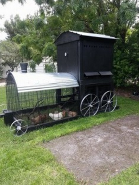 chicken-coop-that-looks-like-a-train