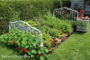 bed-frame-veggie-garden