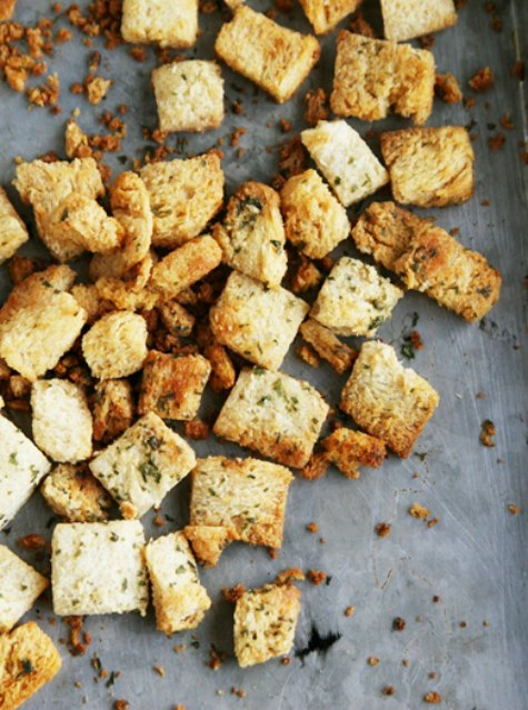baked-seasoned-croutons-foods-to-quit-buying