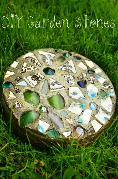 cake-pan-stepping-stones-hypertufa-garden-art