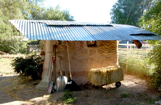 cob-chicken-coop-backyard-cob-projects
