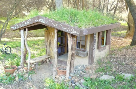 cob-playhouse-backyard-cob-projects