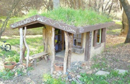 cob-playhouse-backyard-cob-projects