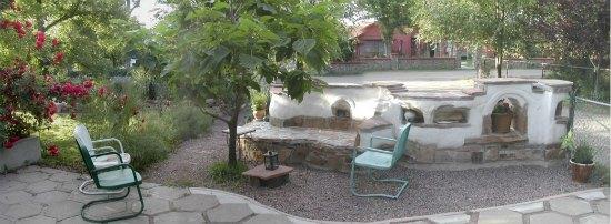 cob-wall-backyard-cob-projects