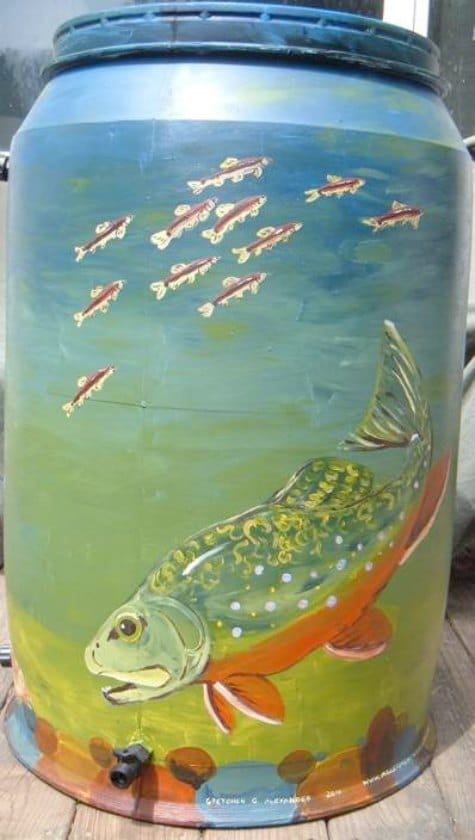 fish-on-rain-barrel-beautify-your-rain-catchment-barrels
