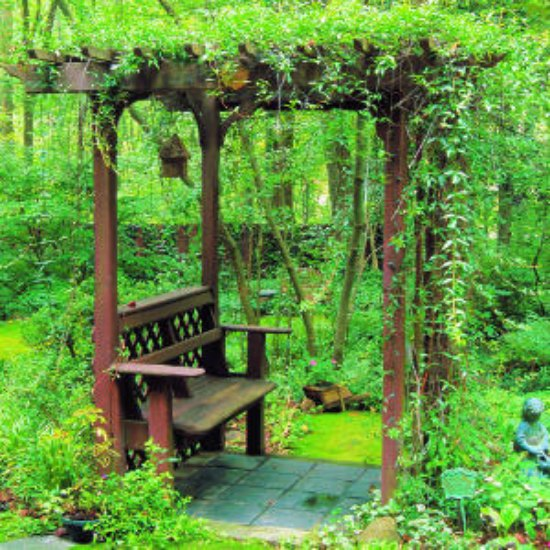 garden-arbor-bench-diy-backyard-arbor