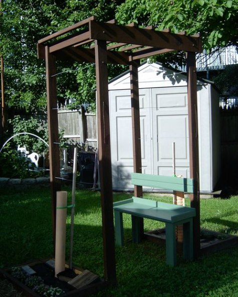 grape-arbor-diy-backyard-arbor