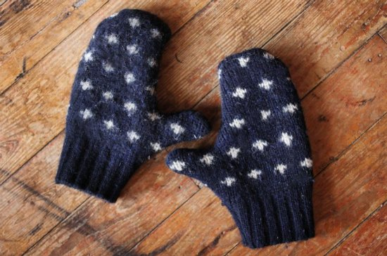 mittens-ways-to-repurpose-old-sweaters