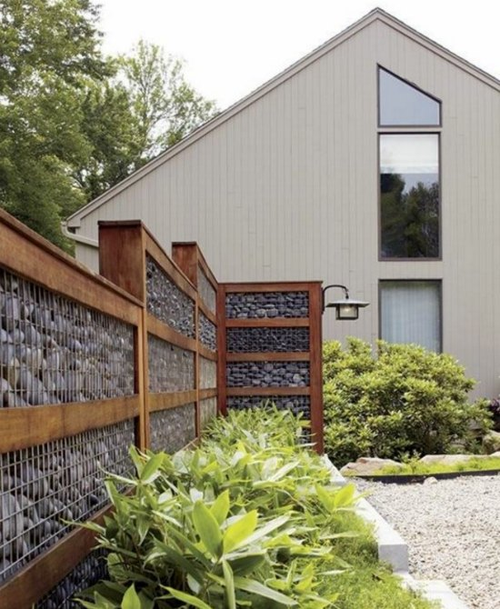 privacy-fence-ways-to-use-gabions