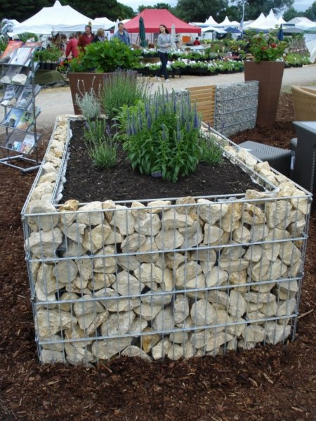 raised-garden-bed-ways-to-use-gabions