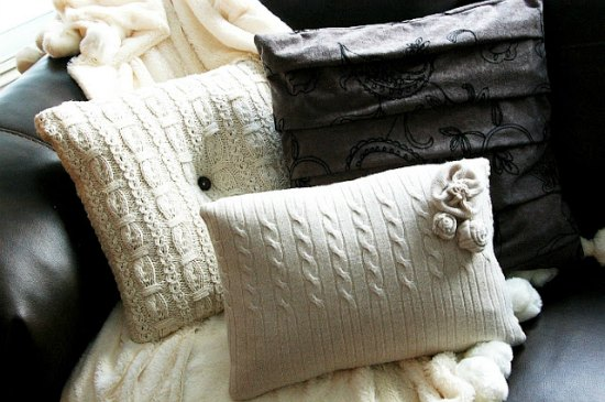 sweater-pillows-ways-to-repurpose-old-sweaters
