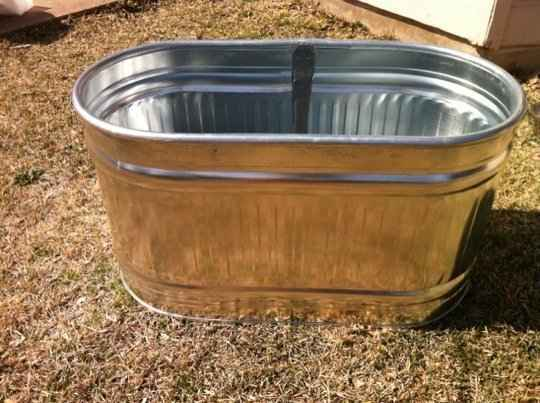 1-creative-galvanized-tub-uses-for-the-home-and-garden