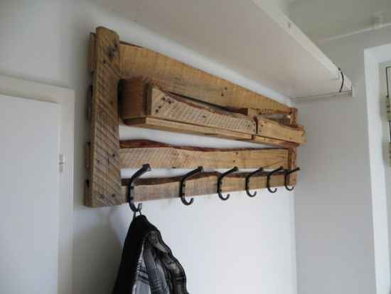 20-genius-pallet-projects-to-make-for-the-homestead