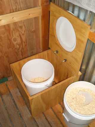 4-Brilliant-Ways-To-Use-Five-Gallon-Buckets-On-The-Homestead