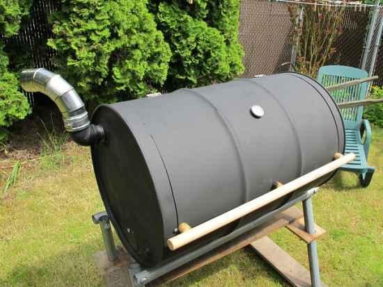 6-genius-homestead-uses-for-55-gallon-metal-barrels