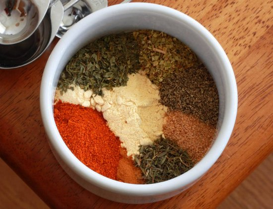 homemade-spices-and-rubs-4