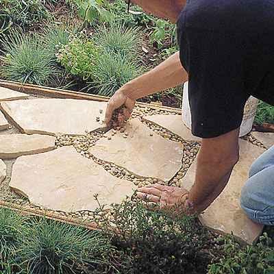 1-diy-garden-path-ideas