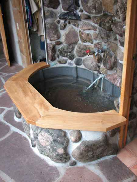 13-diy-hot-tubs-and-swimming-pools