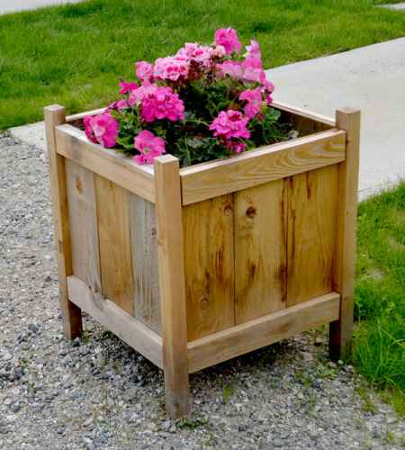 14-diy-elevated-planter-boxes-for-easy-gardening