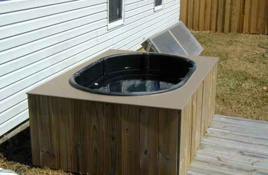 15-diy-hot-tubs-and-swimming-pools