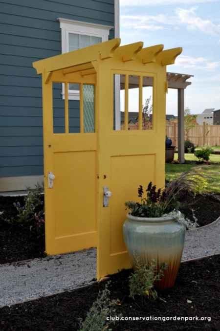16-clever-ways-to-repurpose-old-doors-and-windows