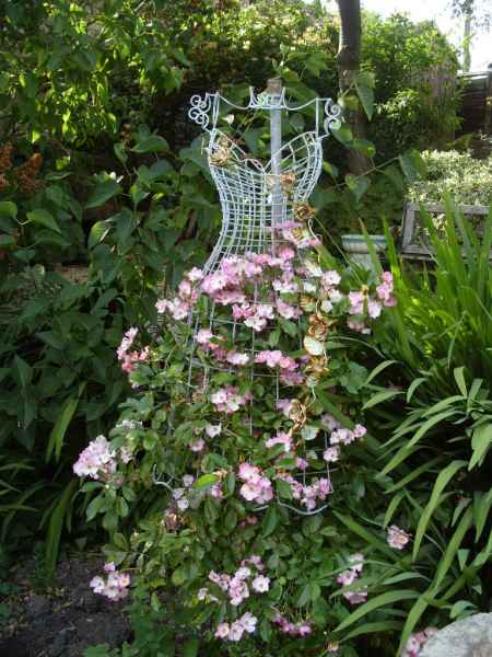 17-diy-garden-trellis-projects