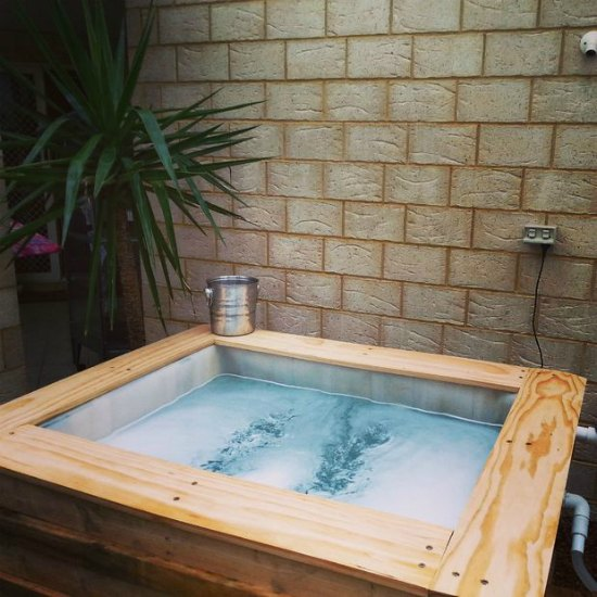 17-diy-hot-tubs-and-swimming-pools