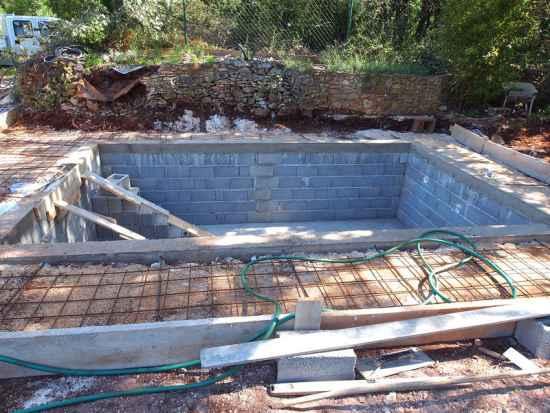 4-diy-hot-tubs-and-swimming-pools