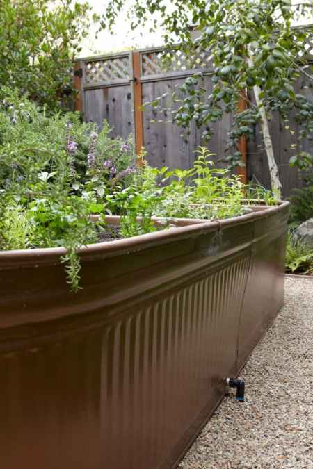 6-diy-elevated-planter-boxes-for-easy-gardening