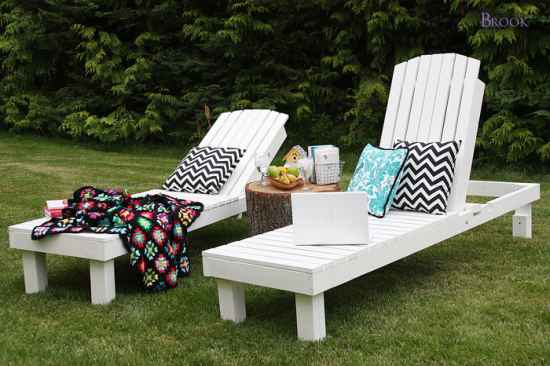 18 diy patio furniture ideas for an outdoor oasis for Build chaise lounge