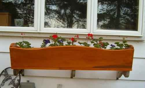 7-diy-elevated-planter-boxes-for-easy-gardening