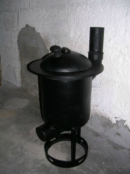 wood-burn-stove-from-a-gas-tank