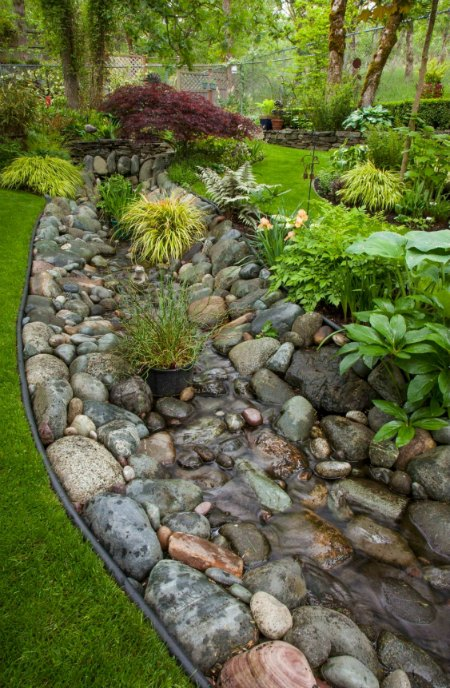 10-stylish-garden-projects-using-rocks