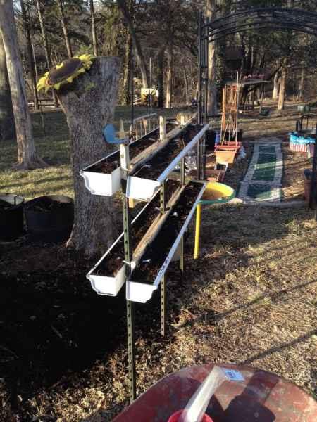 12-gutter-garden-ideas-and-designs