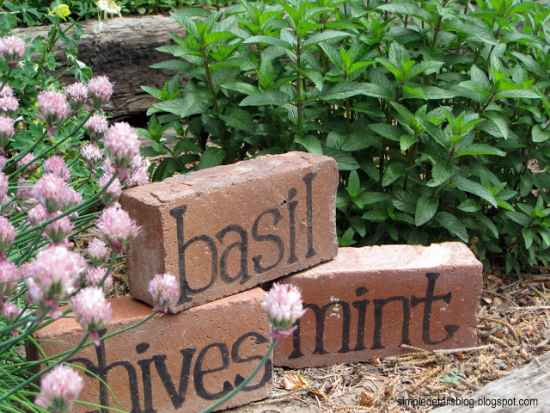 16-useful-diy-projects-for-the-garden