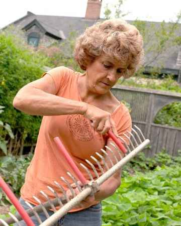16-ways-to-repurpose-garden-hoses
