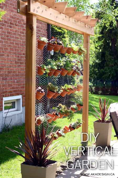 16 vertical garden ideas for your home for Home vertical garden