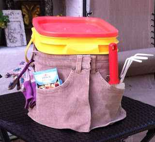 6-creative-and-practical-ways-to-repurpose-kitty-litter-containers