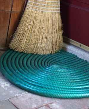 6-ways-to-repurpose-garden-hoses
