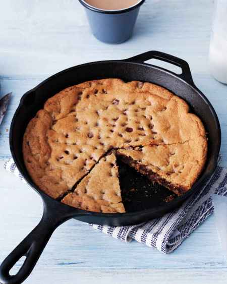 1-incredible-cast-iron-skillet-dessert-recipes