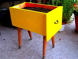1-ways-to-repurpose-dresser-drawers-on-your-homestead